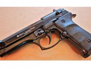 Фото: У Полтаві затримали чоловіка з пістолетом