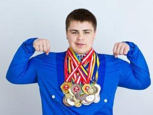 Фото: Українець із Решетилівки став чемпіоном Європи з сумо